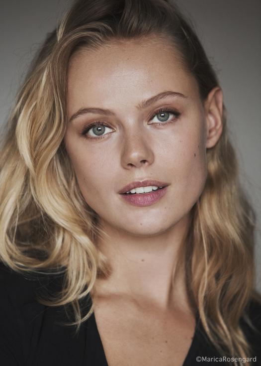 https://actorsinscandinavia.com/wp-content/uploads/2017/11/FridaGustavsson%C2%A9MaricaRosengard_9599.jpg